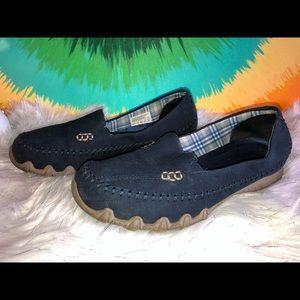 Sketchers memory foam navy sneakers size 6.5